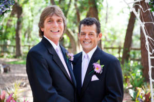 Newlyweds at a bilingual wedding